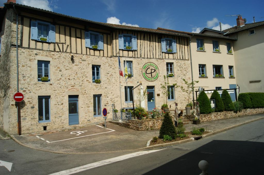 Le Saint Eloi Hotel and Restaurant