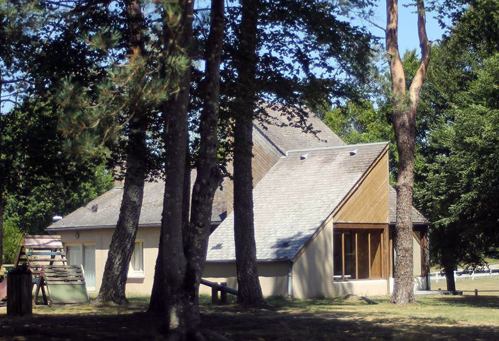 Photo Camping municipal de Peyrelevade- PEYRELEVADE