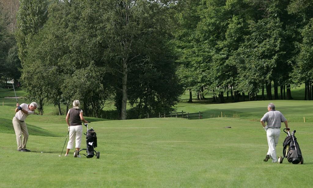 Muni He Golf