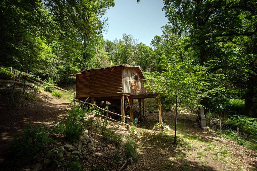 Photo Les cabanes au bord du monde - La cabane du Berger- GRANDSAIGNE