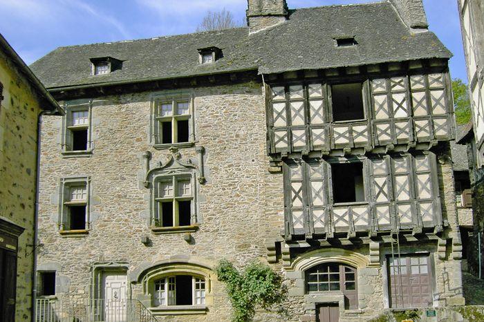 Bureau d 39 information touristique de s gur le ch teau segur le chateau tourisme en corr ze - Office de tourisme saint yrieix la perche ...