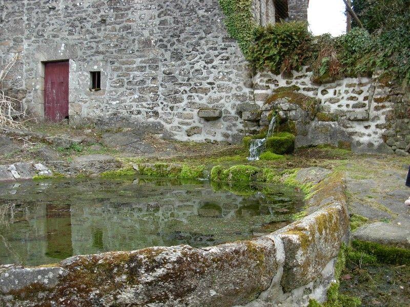 Fontaine-lavoir du Mas-Barbu