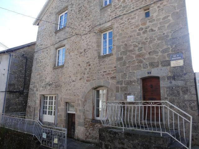 Photo Meublé de tourisme Townhouse Saint-Jacques- EYMOUTIERS