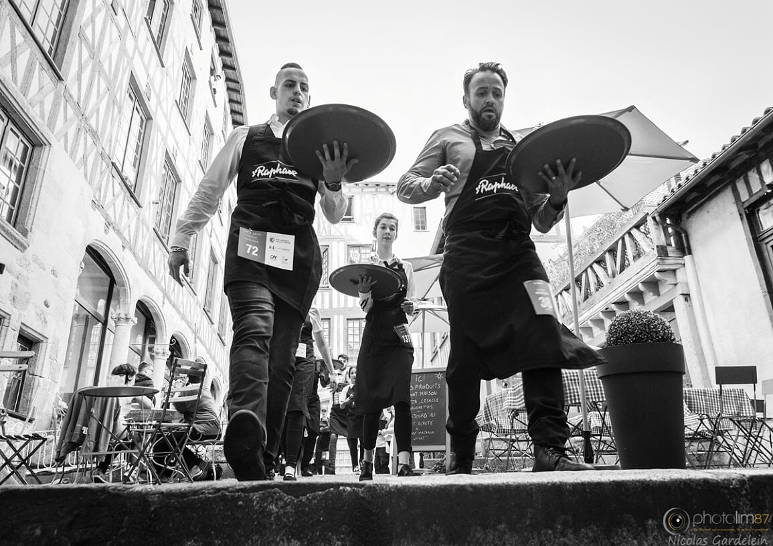 Limoges : Course nationale des serveuses et garçons de café
