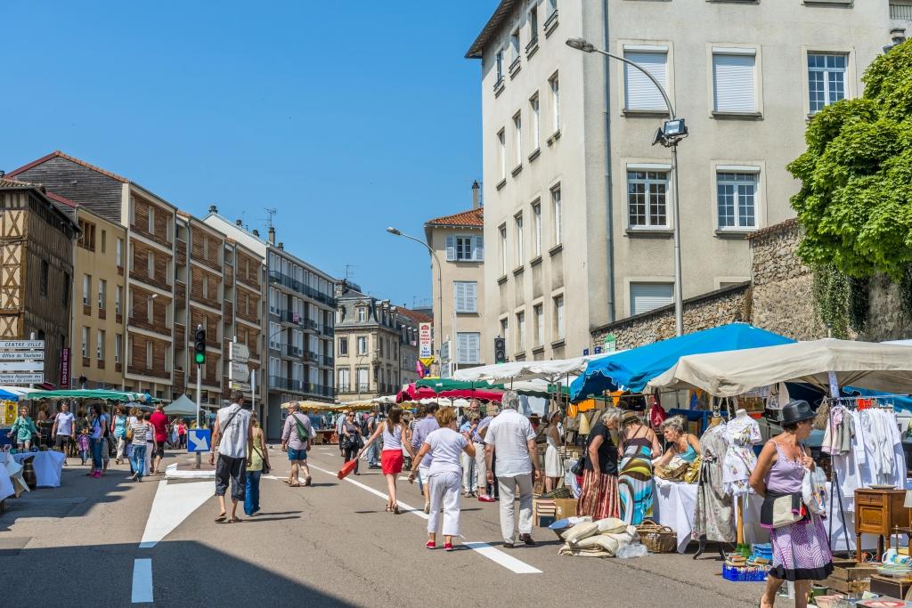Limoges : Puces de la Cité