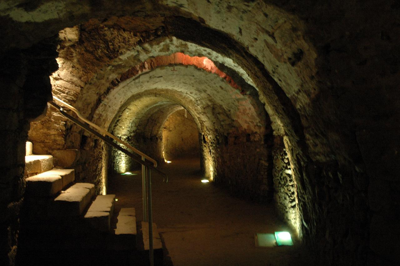Limoges : La règle underground Tunnel (guided tour in English)