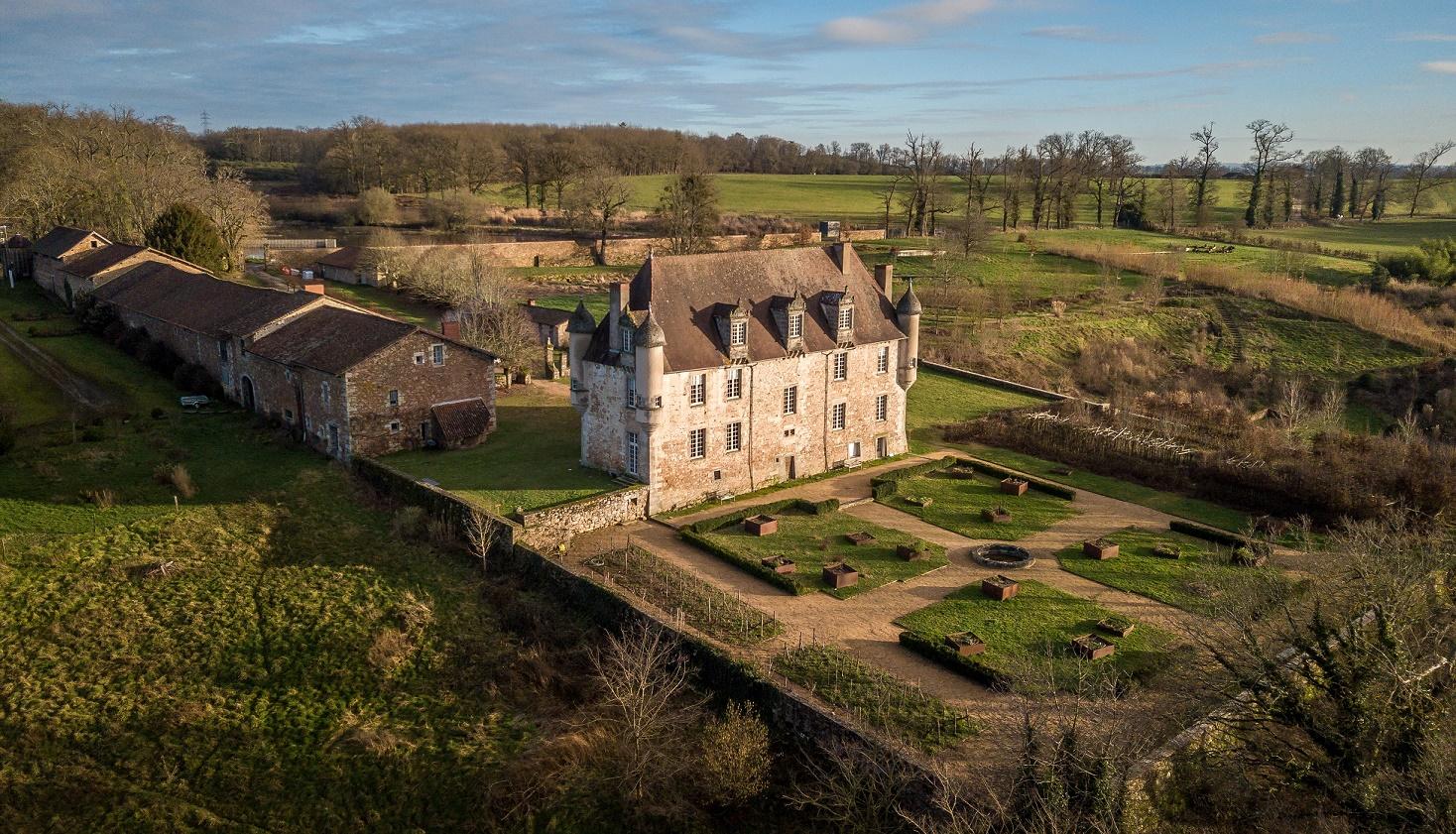 Limoges : Visite du château de la Borie et du domaine du Boisbuchet