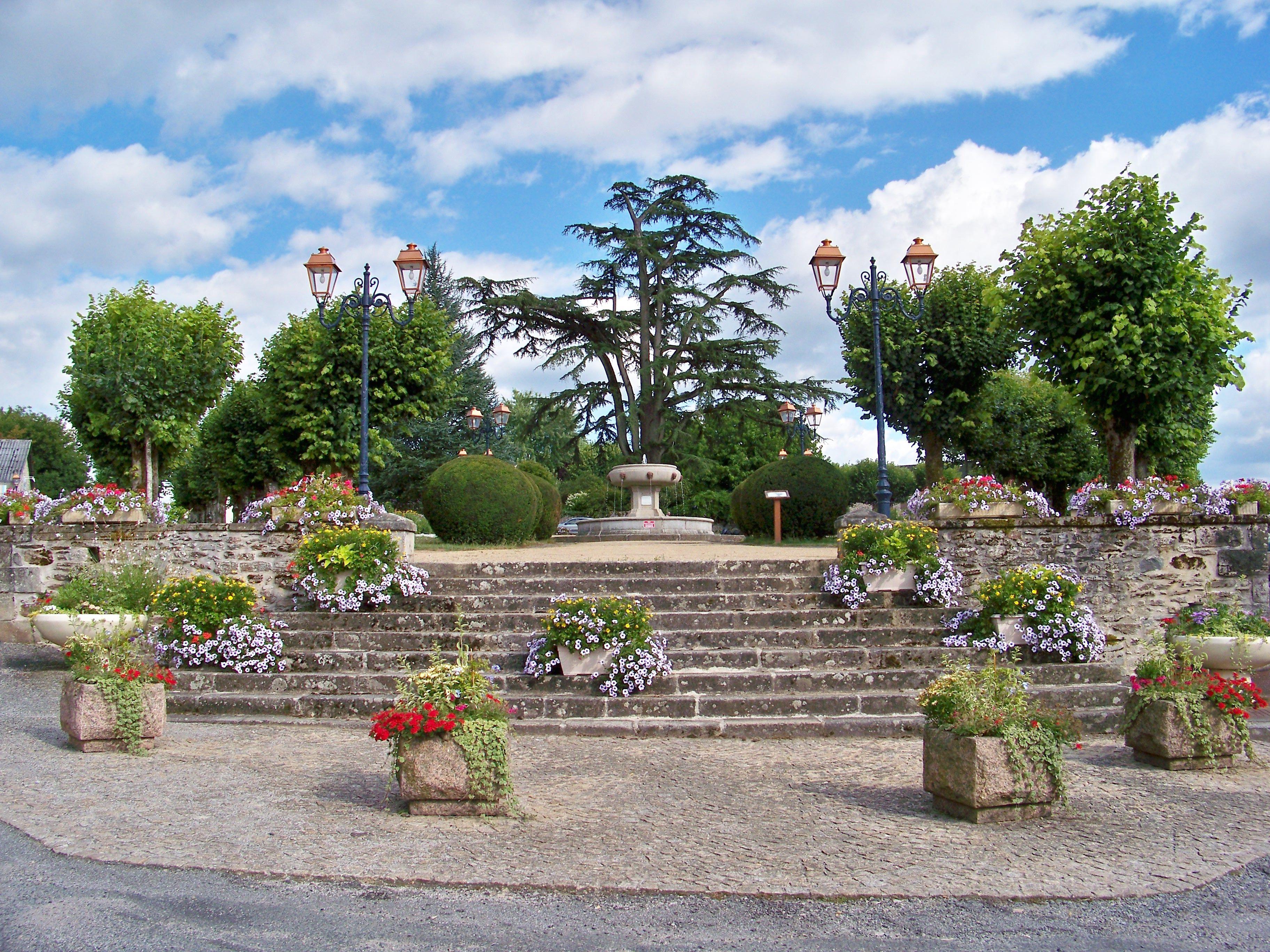 Bassins Avec Lame D Eau Rebeyrol - Fontaine Jardin Japonais Limoges ...